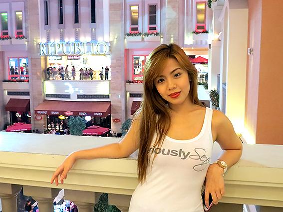 Тайские девочки сосут у парня 7 фотография